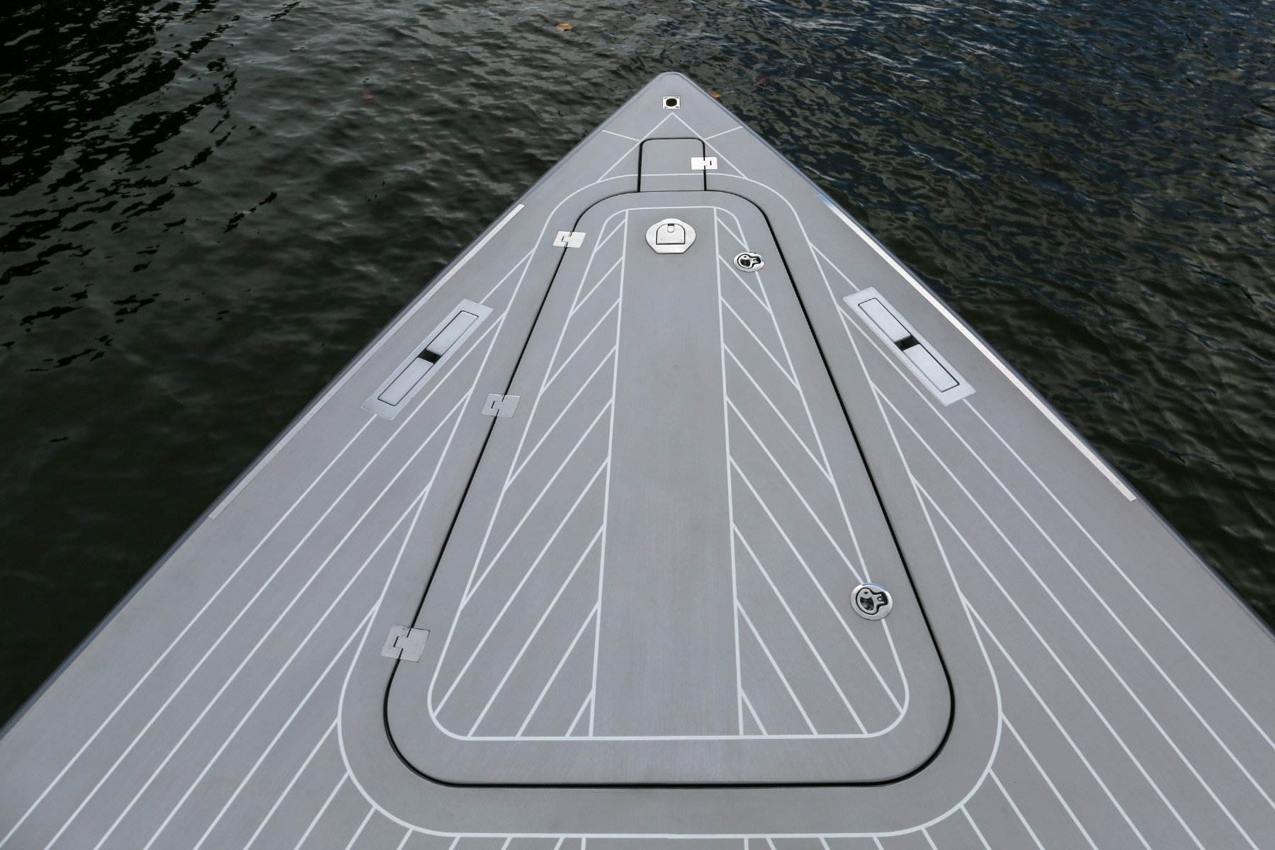 VanDutch 55 2018 Opium Anchor Hatch